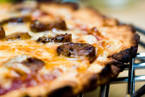 chicken-sausage-pizza.jpg